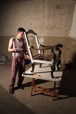 Klinik der Dinge upcycling a vintage armchair